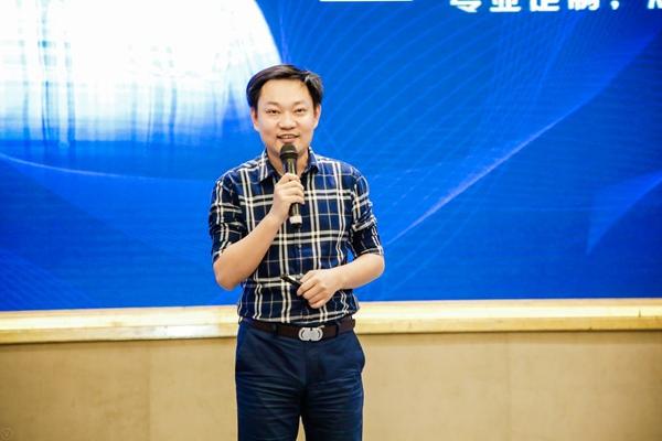 豪恩副总经理 王强
