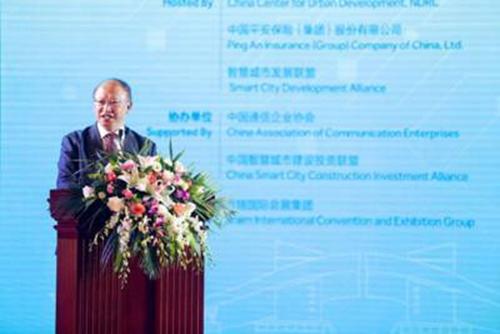 中国工程院副院长何华武