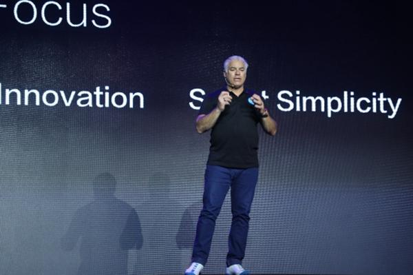 苏宁智能终端公司创意总监Frank Stephenson