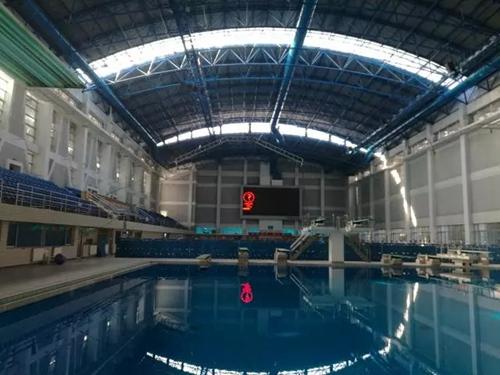 游泳馆内部