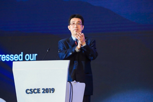 国家发展和改革委员会财政金融和信用建设司副司长张春