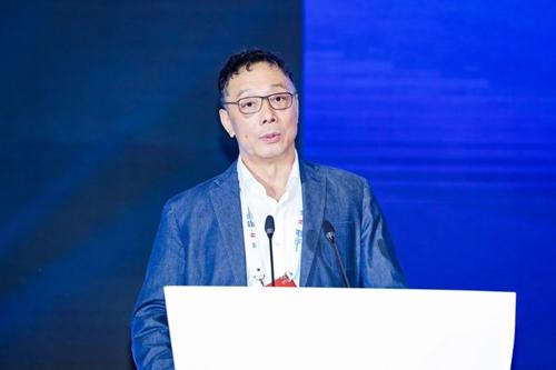 中国城市和小城镇改革发展中心理事长李铁