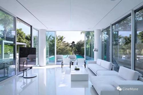 CineMore打造三亚海棠湾1400m² 极简白顶级度假别墅全宅智能&私人影院-视听圈